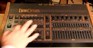 roger-linn-linndrum-drum-machine-e1465514998220